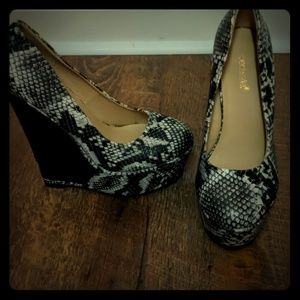 Shoe dazzle shoes